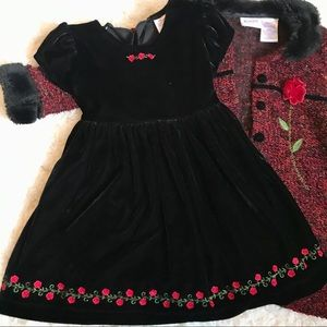 Black Velvet Dress with Matching Coat 🌹